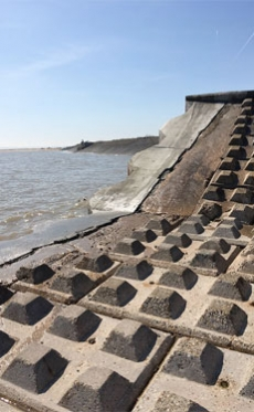 DB Group supplies Cemfree concrete to Environment Agency flood defence project in the UK